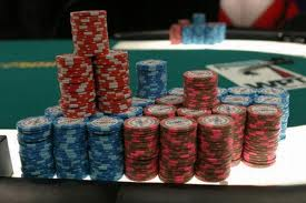 How much should my poker bankroll be