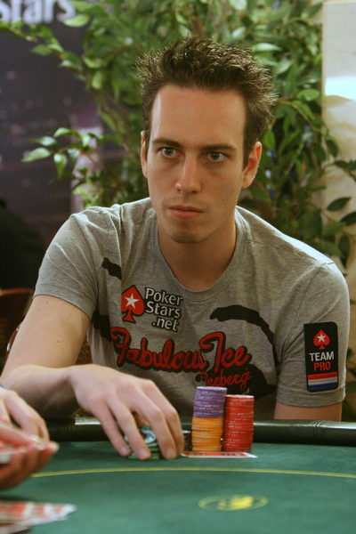 The 1-year old son of father (?) and mother(?), 178 cm tall Lex Veldhuis in 2017 photo